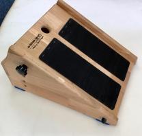 Fából gyártott dőlésszög a lábszár nyújtására, 35 x 45 cm, termék 4531189