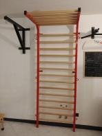 Sprossenwand mit Klimmzug, Metall/Holz, 20 Sprossen, 240x90 cm, Spartan Modell, Artikelnr. 277/rot