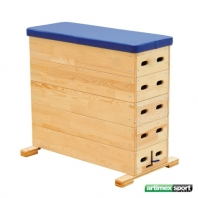 Vaulting box with vertical sides, 5 parts, code 213