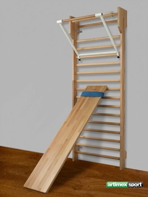 sprossenwand aus buche mit klimmzugb gel artikelnr 259 f. Black Bedroom Furniture Sets. Home Design Ideas